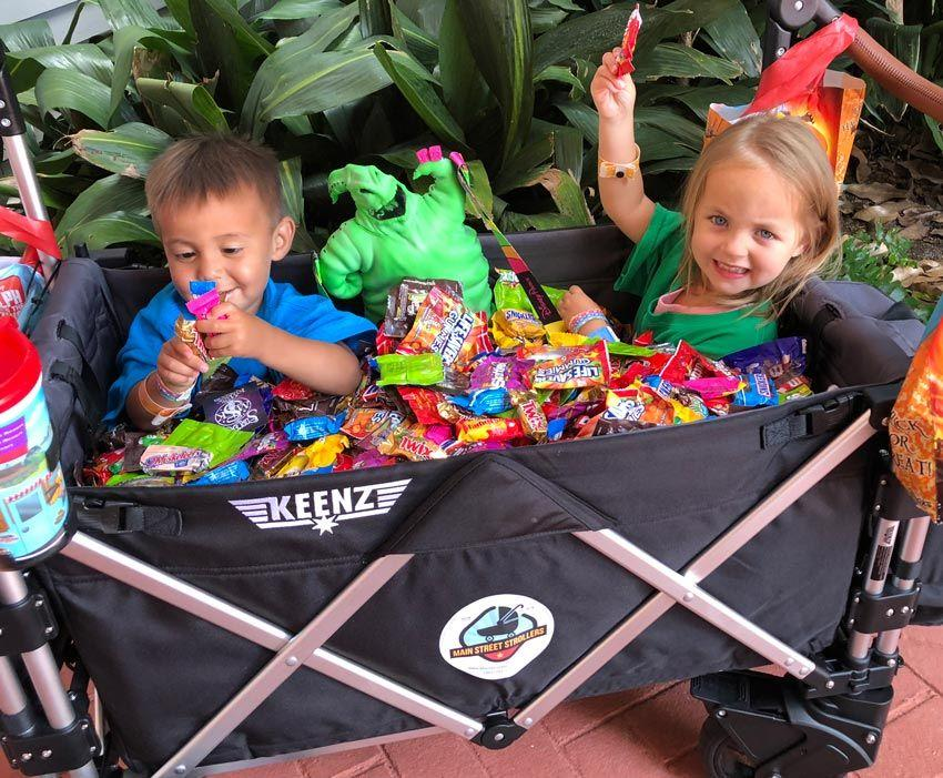 Mickeys Not-So-Scary Halloween Party - Toddlers with lots of Candy in Main Street Stroller
