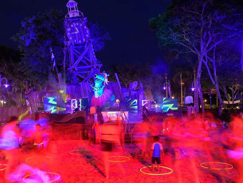 H2O Glow Night Party at Typhoon Lagoon Water Park