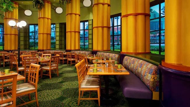 Tables at Garden Grove at the Walt Disney World Swan Hotel.